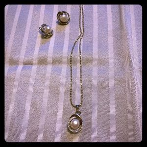 Jewelry - Pearl Jewelry set: earrings, necklace, and ring